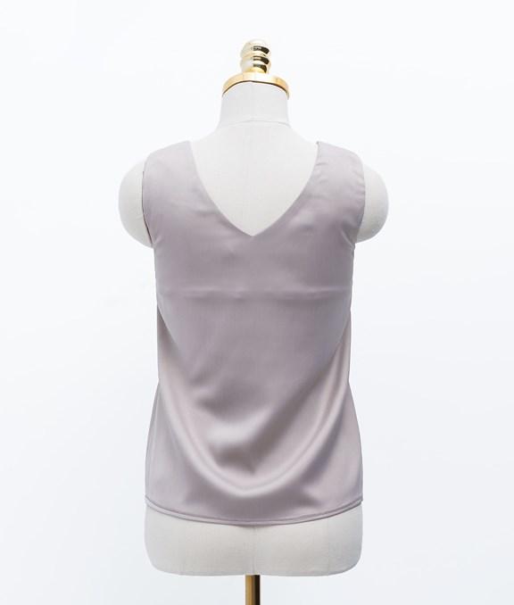 寬肩帶設計計質感緞面背心