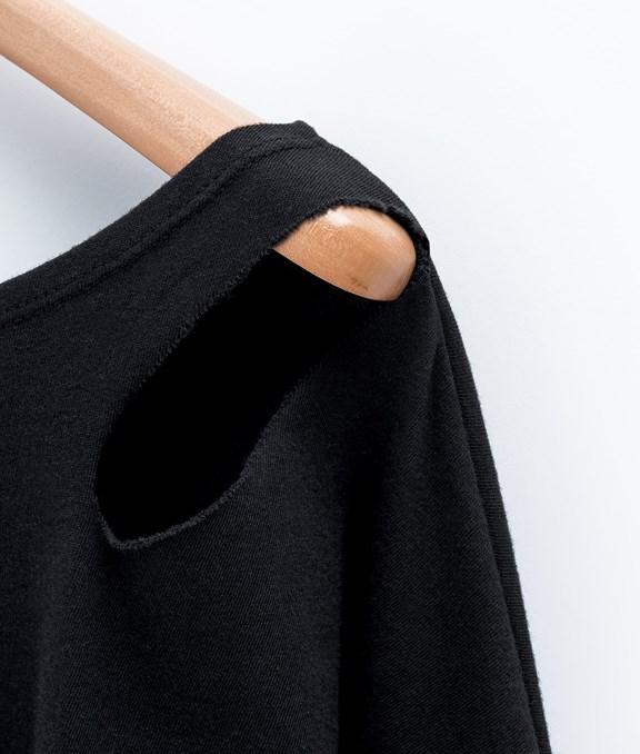 MIT 素面寬鬆個性破洞七分袖上衣